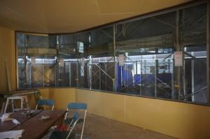 1階店舗大型ガラス