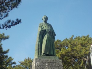 定番坂本龍馬像