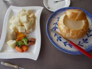 パンのチーズフォンデュ